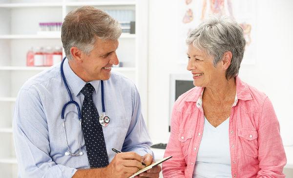 бабушка на приеме у врача