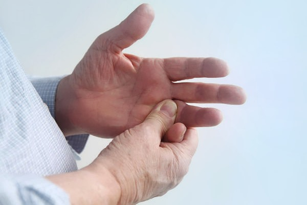 Как и чем лечить артрит суставов пальцев рук