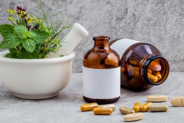 Препараты и народные средства лечения