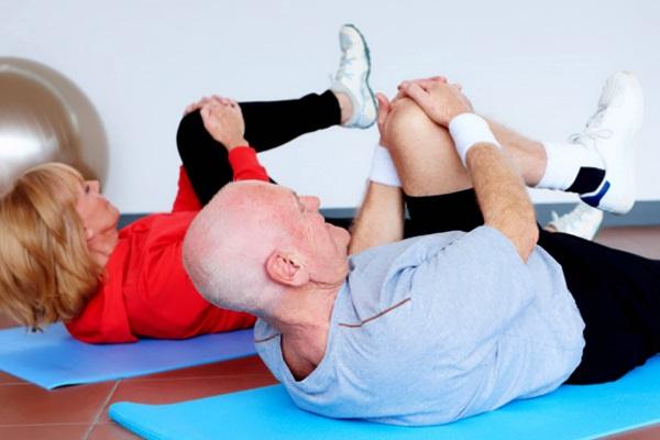 Упражнения при деформации суставов в коленях уколы вывеж тазабедренного сустава
