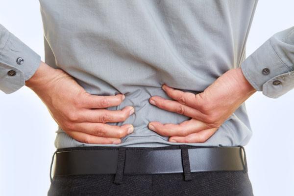 Симптомы поясничного артроза, у мужчины болит поясница